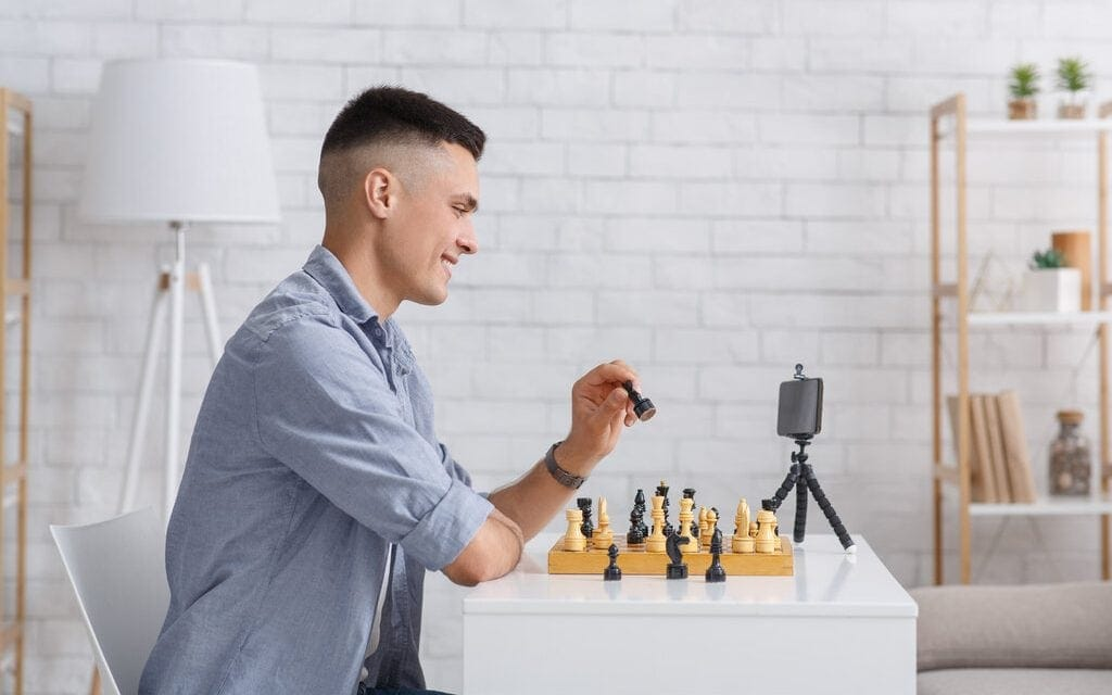 Best Apps To Learn Chess – 8 Picks That Will Help You Become A Master Player