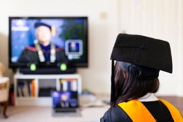 Are Online Degrees Worth It? – The Truth About The Benefits
