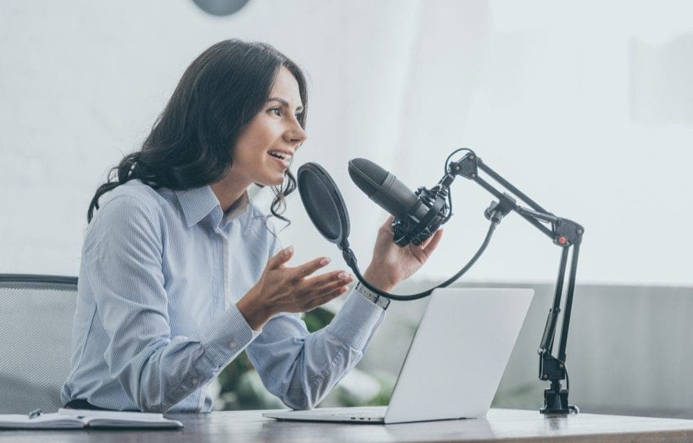 Best Self Improvement Podcasts – Top 16 You Need To Listen To